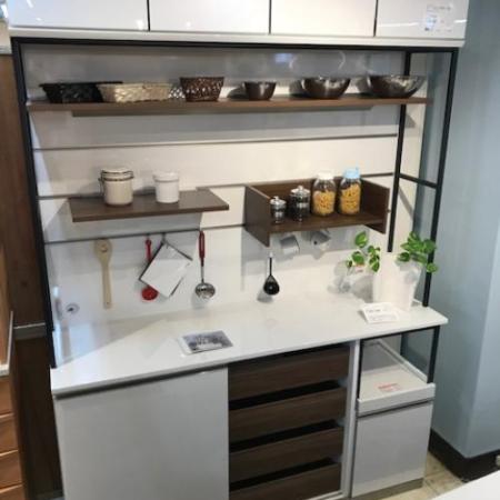 綾野製作所 見せる食器棚 キーノート