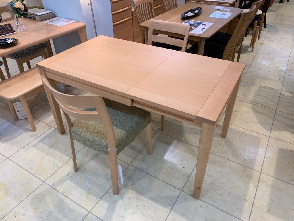 伸長式ダイニングテーブル3点セット2